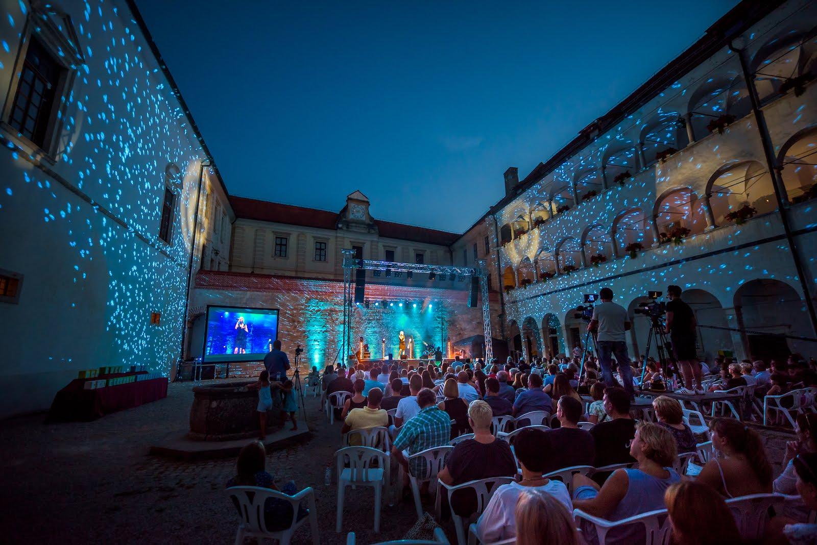 Mednarodni otroški pevski festival Brežice